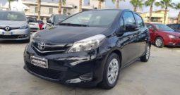 Toyota Yaris 1.0 5 porte Lounge #NEOPATENTATI